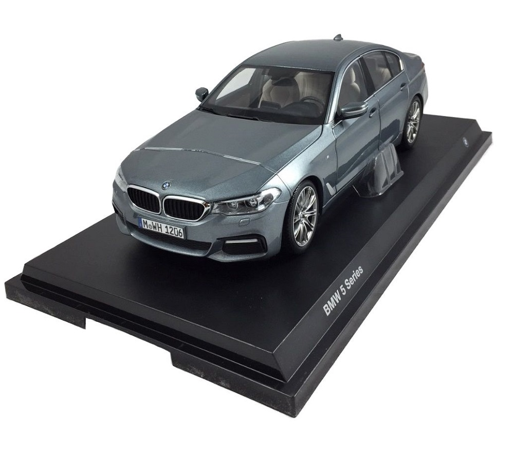 Original BMW 328 Hommage Collection Modellauto Miniatur Maßstab 1:18 Schwarz